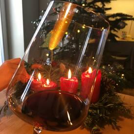 Už nám to nastává... KLUB-VÍNO CUVÉE III 🍷ve sklence a slavnostní atmosféra ve vzduchu🎄Krásné Vánoce s krásnými víny přeje a na zdraví zdraví VÍNO-KLUB❤️