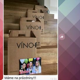 A co vy? Máte už taky víno na prázdniny vyřešené jako naši zákazníci Klára a Jirka?   #wine #vacation #prazdniny #winebox #vino #sixpack #vinoklub